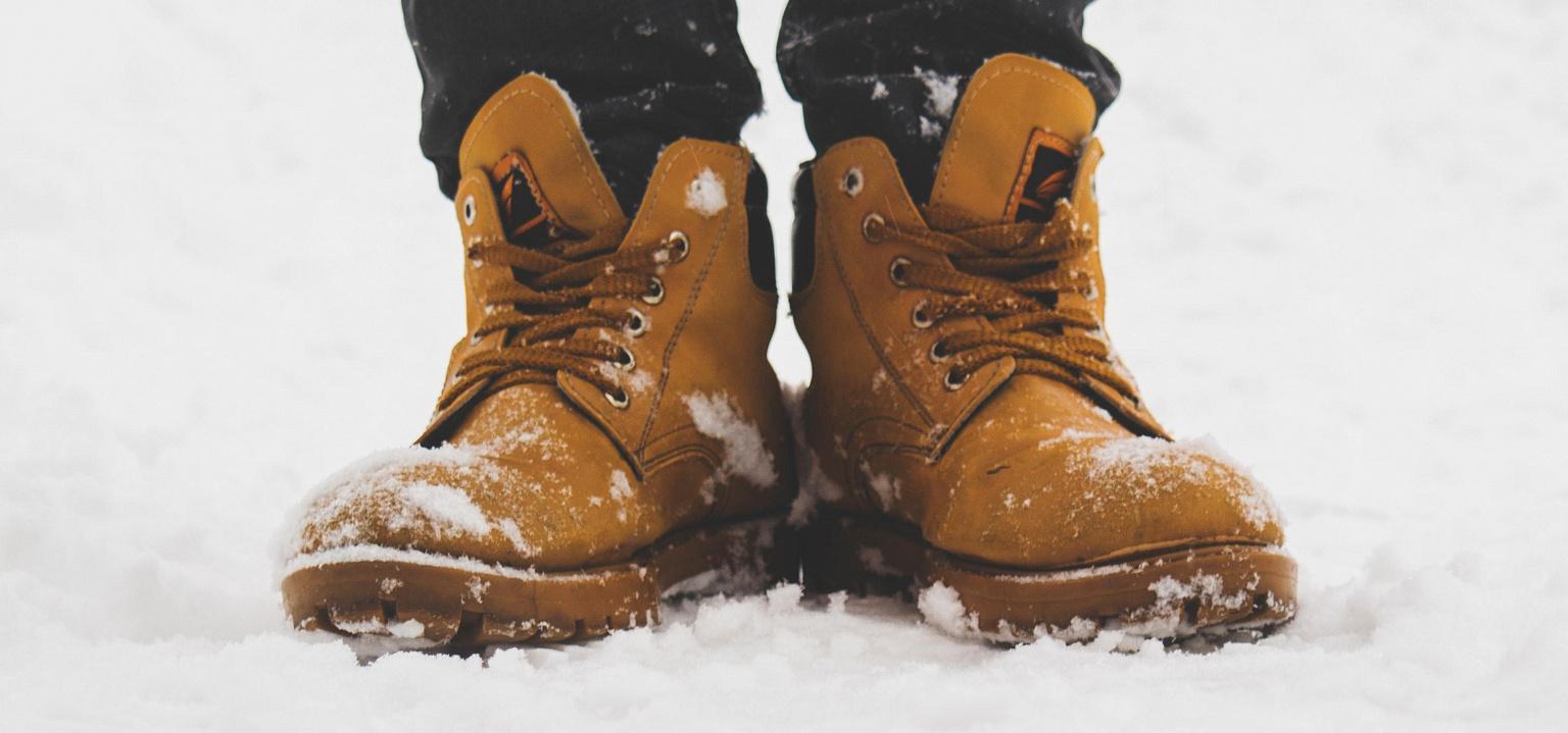 Зима на дворе: как ухаживать за обувью?