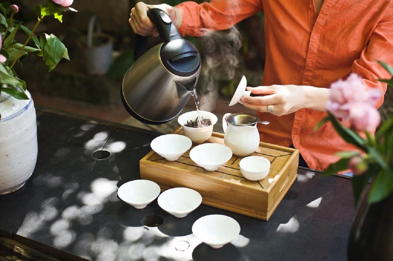 Что значит – «проливать чай»?